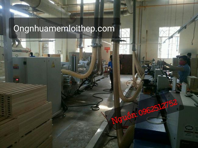 ống hút bụi trong nhà máy gỗ