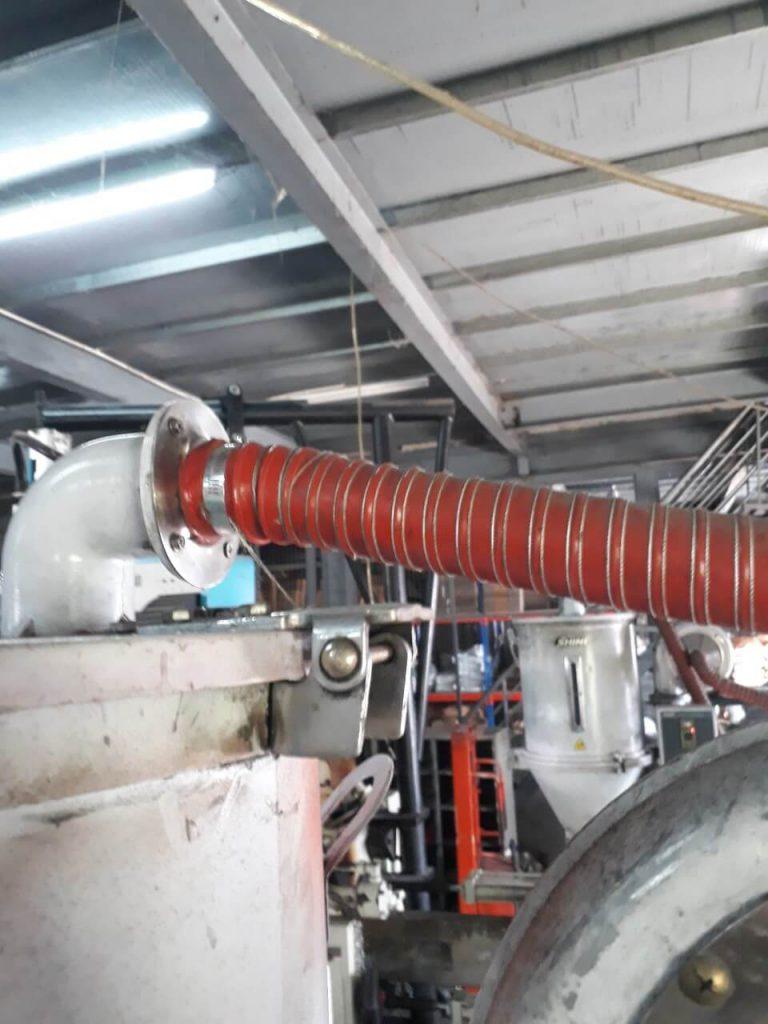 ống mềm chịu nhiệt được lắp đặt cho máy sấy keo