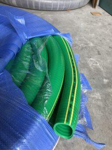 giá ống nhựa mềm lõi thép màu xanh giá rẻ